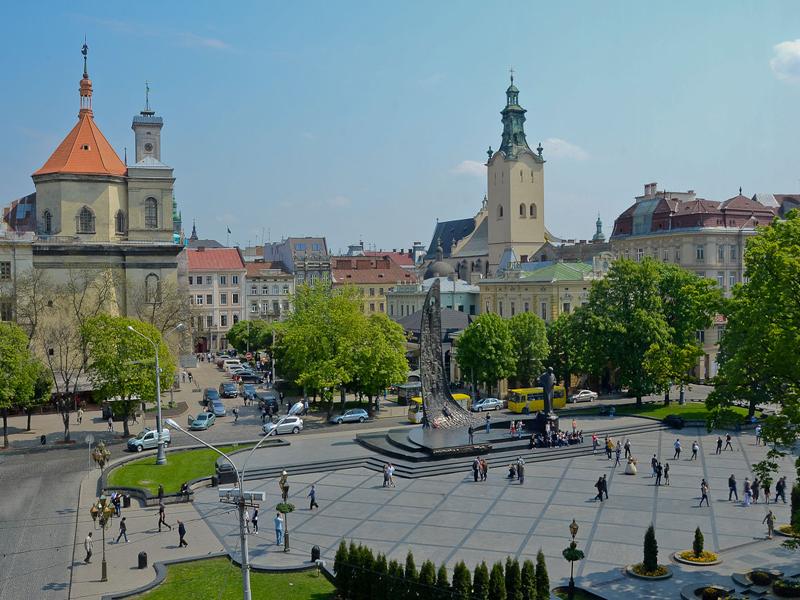 lviv_Svobody_Avenue
