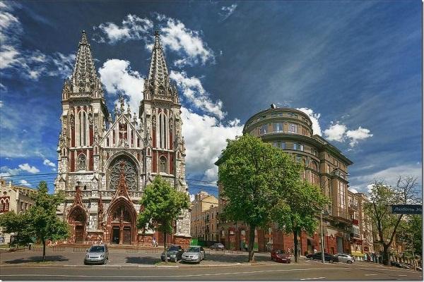 mykolayivsky-church